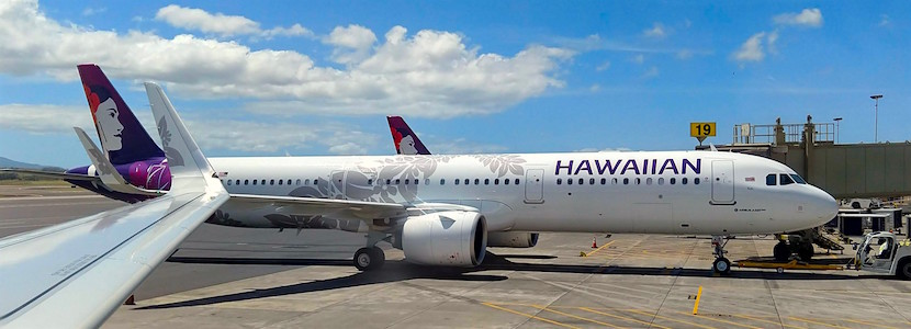 hawaiian airline plane at gate